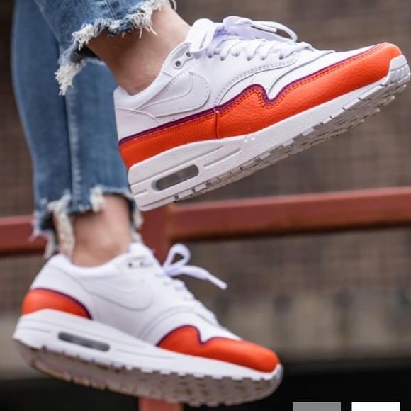 New Size 6 Nike Air Max 1 SE White Orange Sneakers NWT
